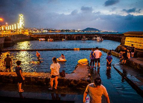 Looking for a super summer spot? Keep cool on your Jeju vacation 대표이미지