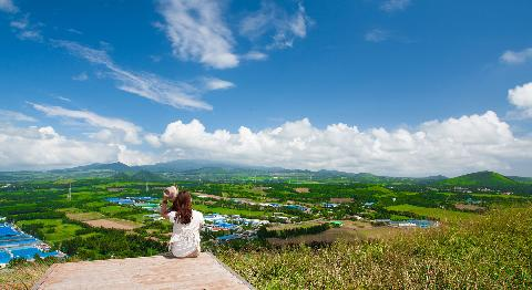 10 Travel Hotspots for September: Explore the interior mountain areas of Jeju 대표이미지