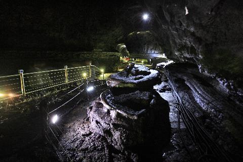 火山島済州の素顔, <火山洞窟旅行> 대표이미지
