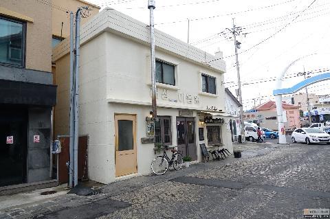 Un Cafe&Bar 대표이미지